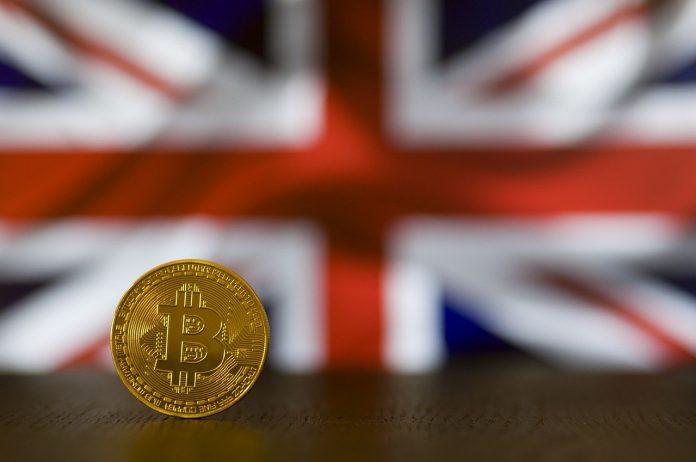 pixabay.com/de/photos/bitcoin-btc-geld-w%C3%A4hrung-krypto-4374654/